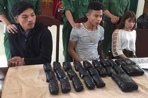 Chàng trai ngoại quốc tuồn hơn 65.000 viên ma túy vào Việt Nam