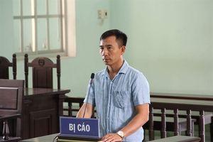 Bình Định: Xét xử vụ cầm dao dọa giết phóng viên