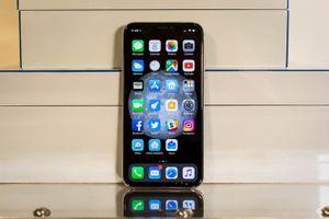 Foxconn bắt đầu lắp ráp iPhone OLED 2018