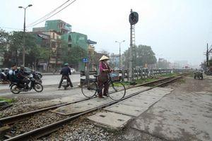 Đường sắt muốn 'đại phẫu' hơn 350 đường ngang dân sinh