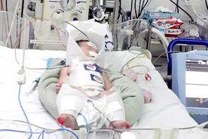Sản phụ vỡ gan trong lúc chuyển dạ, bé sơ sinh thoát 'cửa tử' thần kỳ