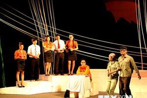 Nhớ người 'thắp lửa' cho sân khấu Việt Nam-nhà viết kịch Lưu Quang Vũ