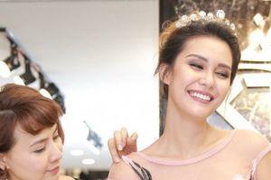 Lý do Hoa hậu Trái đất Angelia Ong thích thời trang Việt Nam