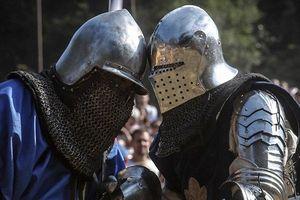 Clip: Đấu kiếm như những chiến binh Trung cổ ở Serbia