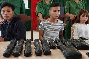 Nam thanh niên Lào vận chuyển gần 66.000 viên ma túy qua biên giới