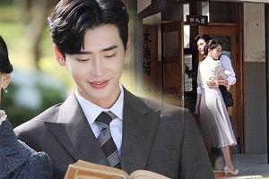 Chết ngất với loạt ảnh hậu trường 'tình bể bình' của Lee Jong Suk và Shin Hye Sun trong 'Hymn of Death'