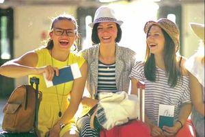 Locarry: Dịch vụ chia sẻ quần áo, đồ dùng cho du khách