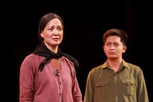 Nhà hát Tuổi trẻ công diễn vở kịch 'Lời thề thứ 9'