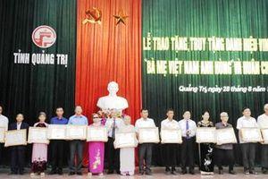 Trao tặng và truy tặng 103 Bà mẹ Việt Nam Anh hùng Bà mẹ ở Quảng Trị