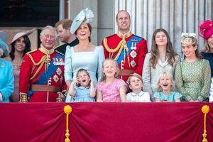 Không phải Hoàng tử William hay vợ chồng Hoàng tử Harry, đây mới chính là nhân vật 'tinh nghịch' được yêu mến nhất Hoàng gia Anh