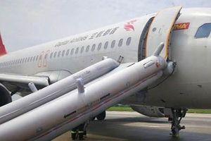 Máy bay Trung Quốc chở 166 người mất hai bánh khi hạ cánh khẩn cấp
