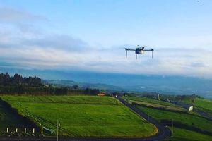 Drone - trợ thủ mới của nông dân