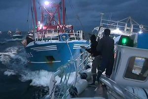 Tàu cá Anh - Pháp đâm nhau trên biển vì chiến tranh sò điệp