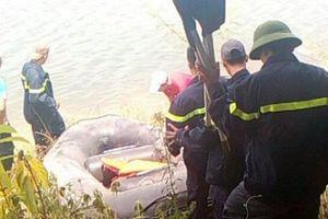 TT-Huế: Hàng chục công an tìm kiếm người đàn ông nhảy sông tự tử