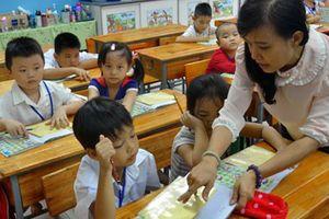 Vì đâu cả nước thiếu 76.000 giáo viên?