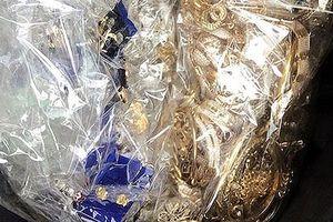 Bắt 3 nghi phạm trộm vàng trị giá hơn 600 triệu đồng