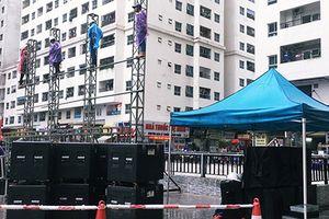 CĐV lắp màn hình 'khổng lồ' để xem trận bán kết Việt Nam - Hàn Quốc
