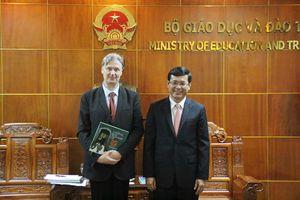 Thứ trưởng Nguyễn Văn Phúc tiếp Đoàn phóng viên của Tạp chí First