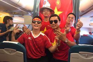 Máy bay Vietnam Airlines 'nhuộm đỏ' màu cờ Tổ quốc