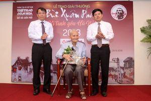 Bạn thân Bùi Xuân Phái nhận Giải thưởng lớn Vì tình yêu Hà Nội