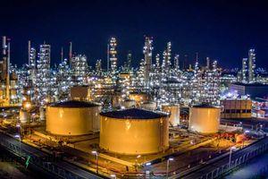 ADNOC (UAE) đàm phán bán cổ phần trong lĩnh vực lọc dầu