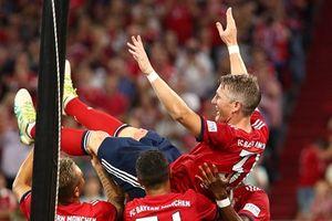 Schweinsteiger ghi bàn trong trận Bayern đánh bại Chicago Fire