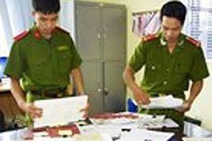 Nhóm đối tượng 'liên kết' làm giả hồ sơ rút tiền ngân sách