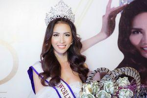 Hoa hậu Phan Thị Mơ thú nhận 'mê' thủ môn Bùi Tiến Dũng