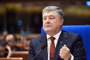 Tổng thống Ukraine Petro Poroshenko cáo buộc Nga can thiệp bầu cử