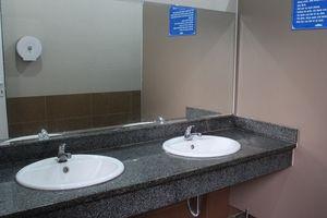 Hết ám ảnh nhà vệ sinh trường học