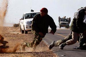 IS liều mạng phản công nhưng bị quân đội Syria thẳng tay đè bẹp