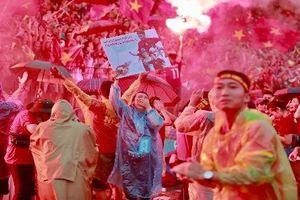 Dù thua trận nhưng Olympic Việt Nam ấm lòng với CĐV tại quê nhà