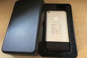 Nguyên mẫu iPhone đời đầu bán đấu giá hơn 300 triệu đồng