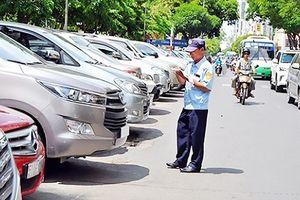 Hà Nội: Taxi công nghệ đâm chết nhân viên trông giữ xe
