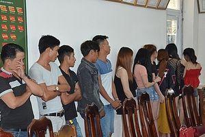 Quảng Nam: Phát hiện 34 trai gái phê ma túy trong quán hát