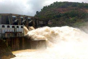 Nghệ An: Nhà máy thủy điện Khe Bố đang xả lũ với lưu lượng lớn