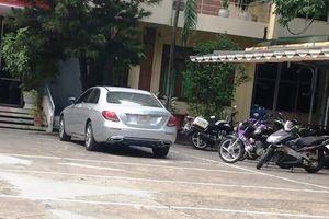 Cảnh sát chặn bắt người phụ nữ lái xe Mercedes lạng lách trên đường phố Đà Nẵng