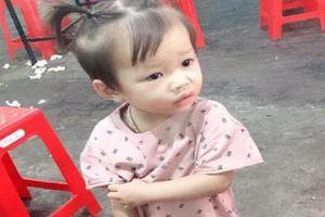 Người mẹ trẻ hơn 1 tháng ròng rã tìm con 2,5 tuổi mất tích bí ẩn
