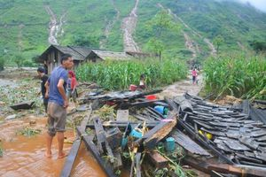 Điện Biên, Sơn La: Thầy trò trường học khắc phục hậu quả mưa lũ chuẩn bị cho năm học mới