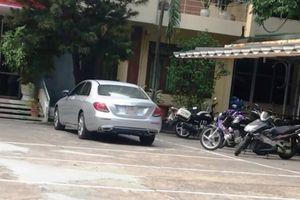 Tạm giữ nữ tài xế lạng lách đánh võng trên đường