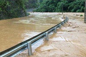 Vùng núi phía Bắc mưa to, nguy cơ cao xảy ra sạt lở đất, lũ quét