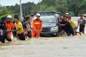 Video, Ảnh: Vỡ đập ở Myanmar, hơn 100 ngôi làng chìm trong biển nước