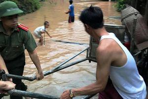 Người dân hoảng hốt với tin đồn 'vỡ đập thủy điện'