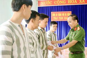 Trại tạm giam CATP Đà Nẵng Công bố quyết định tha tù trước thời hạn có điều kiện cho phạm nhân