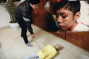 Hôm nay, cha đẻ và mẹ kế bạo hành con trai 10 tuổi hầu tòa