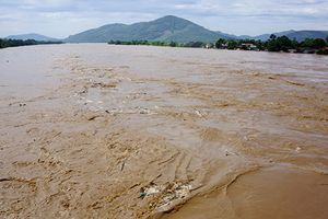 Những hình ảnh về mưa lũ hoành hành ở các tỉnh miền Trung