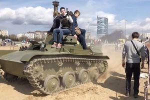 Sống sót thần kỳ khi bị xe tăng nặng 6 tấn chèn qua người