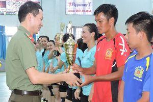 Sôi động giải bóng chuyền Công an tỉnh Đắk Lắk