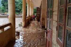 Tăng số người chết, nhà sập đổ do mưa lũ ở miền Bắc
