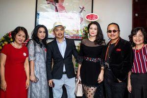 Thanh Lam biểu diễn tại Tọa đàm sách 'Tình Thương' – Hà Huy Thanh